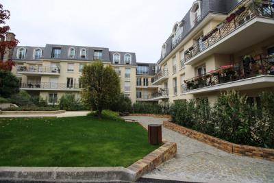 Appartement 5 pièces avec jardins et terrasse