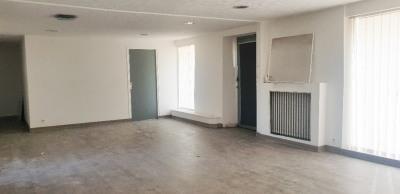 Local commercial Quimper 77 m² / A louer