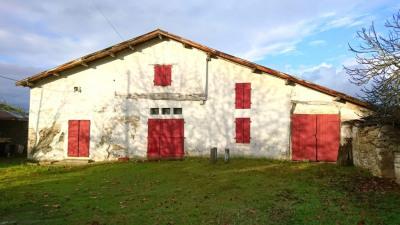 Ancienne ferme landaise sur son terrain de 2900 m²