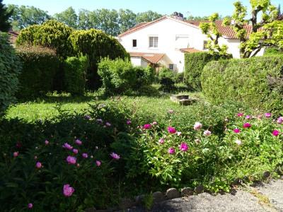 Agen - maison avec garage et jardin