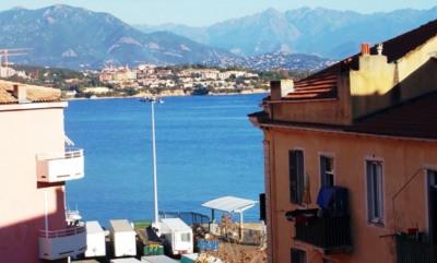 T3 à rénover avec petite vue mer Quartier Piazzetta-Fesch