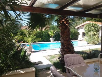 Landaise avec piscine sur 930m²