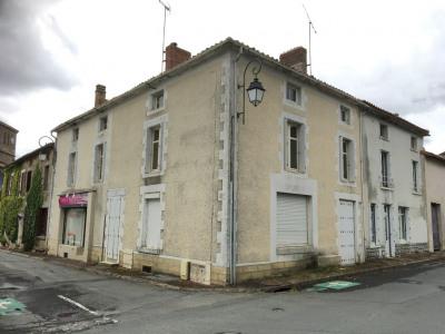 Maison de bourg proche la Chataigneraie