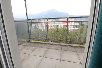 ECHIROLLES La rampe, Studio meublé en parfait état avec terrasse
