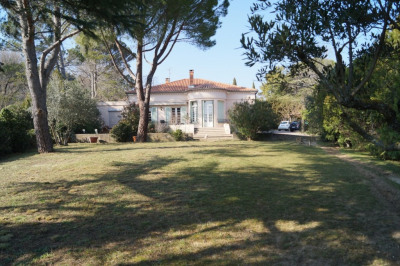 Maison Villeneuve Les Avignon 6 pièce (s) 165 m²
