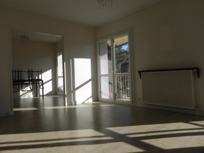 AGEN - Appartement Fa avec balcon et garage