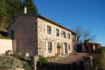 A vendre maison 142 m2 Beaujolais 4 chambres idéale résidenc