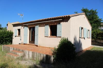 Villa de plain pied de 80m² avec garage sur un terrain de 500m²