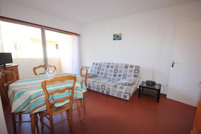 Appartement Rénové F2 avec Terrasse proche centre et plages