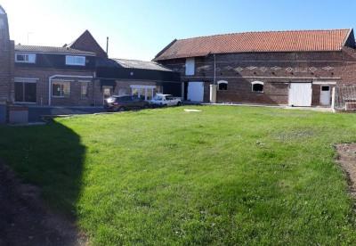 Farm building 8 rooms