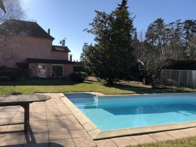 Maison d'habitation T7 de 160m² avec piscine