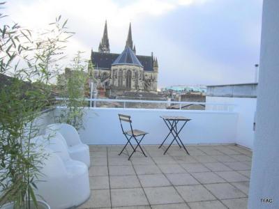 T2 meublé duplex terrasse chartrons