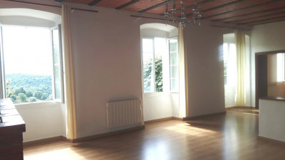 T3 de 95 m², rénové, terrasse, jardin, cave, Bisinao