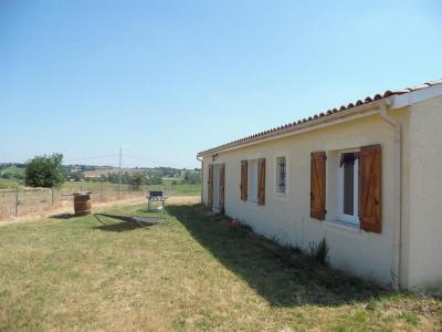 Maison récente 4 chambres sur 2400 m²