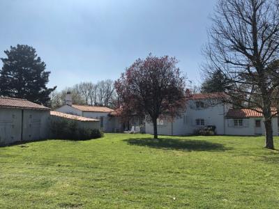 Vaste maison à Challans sur 2000 m² de terrain