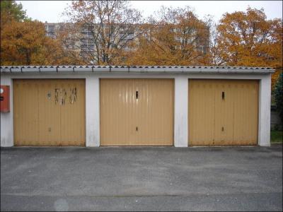 Garage extérieur
