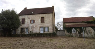 Maison de bourg 3 ch a rénover