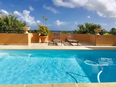 Villa 7 pièces de 348 m² vue imprenable sur les ilets du Fr
