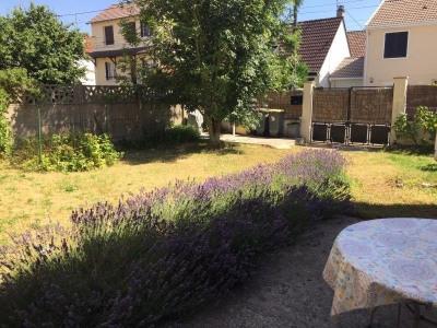 Pavillon avec jardin