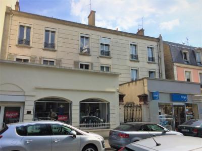 Appartement 3 pièces au pied de la gare et commerces