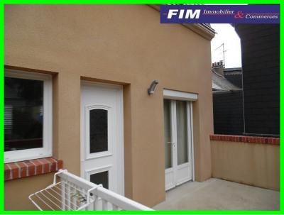 Maison parfait état 2 chambres grenier aménageable terrasse proc