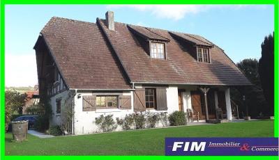 Maison style chaumière 4 chambres 2000 m² de terrain garage et d