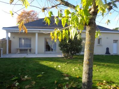 Maison 7 pièce (s) 165 m²