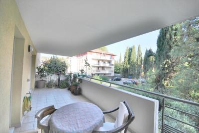 3 pièces grande terrasse, proche centre ville