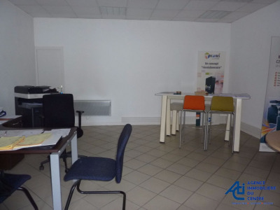 Offices of 70 m² with window Pontivy rent BRITTANY 550% u20AC HT'