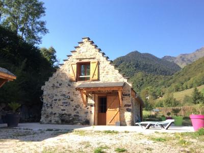 Magnifique habitation pyreneenne en vallée proche de la mong