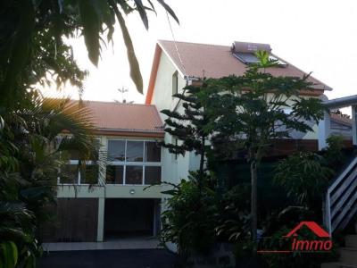 Maison st joseph - 6 pièce (s) - 150 m²