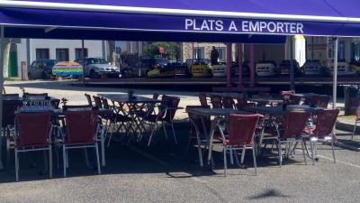 Bar restaurant et magnifique terrasse