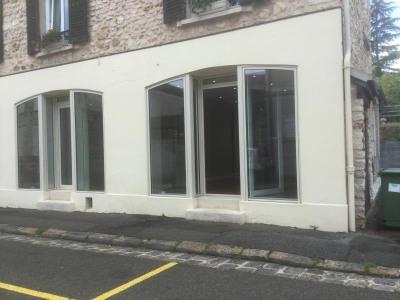 Boutique, 40 m² - Crespieres (78121)