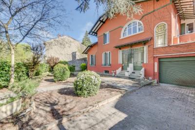Tassin Centre - Maison ancienne - 7 pièces 170 m²