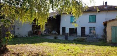 Ancien corps de ferme à rénover de 169m² avec dépendances