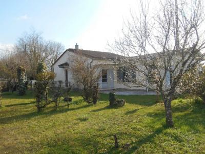 PODENSAC Maison avec de belles possibilités sur 653 m² jardin