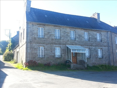 Stone-built property 3 rooms, 133 m² - Loguivy Plougras (22780)