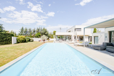 Brindas - maison contemporaine 278 m² sur son terrain de 165