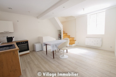 A LOUER - Maison de ville 58 m² - Triplex- St Smphorien d'Ozon