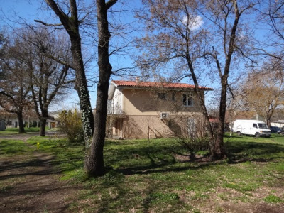 Villa T6 de 145 m² au centre du village sur terrain de 1250 m²