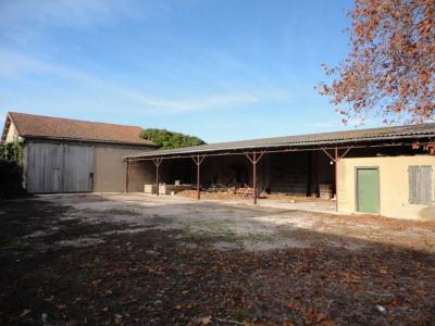 Entrepôt de 338 m² sur 950 m² de terrain clos