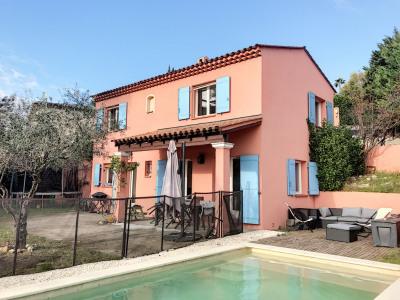 Belle villa de 5 pièces avec piscine