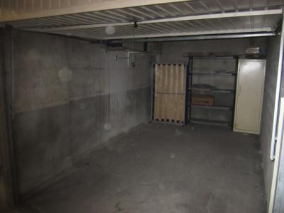 Grand Garage en sous-sol