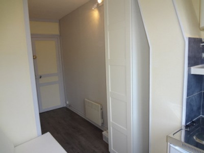 Location Appartement Paris Passy - 9 m²