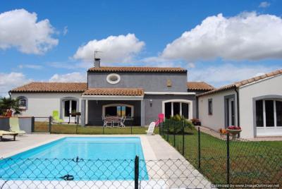 Villa de standing avec piscine et vue imprenable