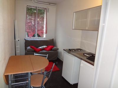Location Appartement Paris Mirabeau - 10m²