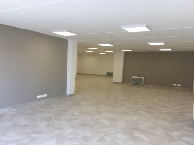 Local commercial Dax 1 pièce (s) 130 m²