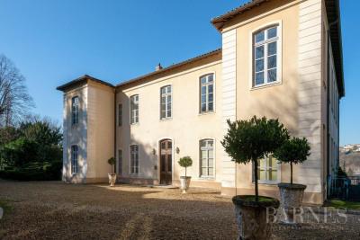 Caluire-et-Cuire - Quai de Saône - Apartment of 240 sqm in an ex
