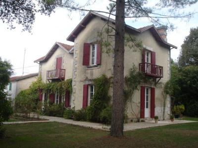 Bouhet à vendre maison 235 m² terrain 3000m²