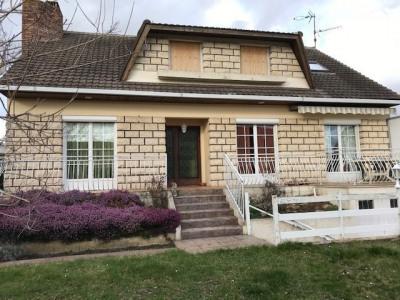 Maison Mouroux 6 pièce (s) 190 m²